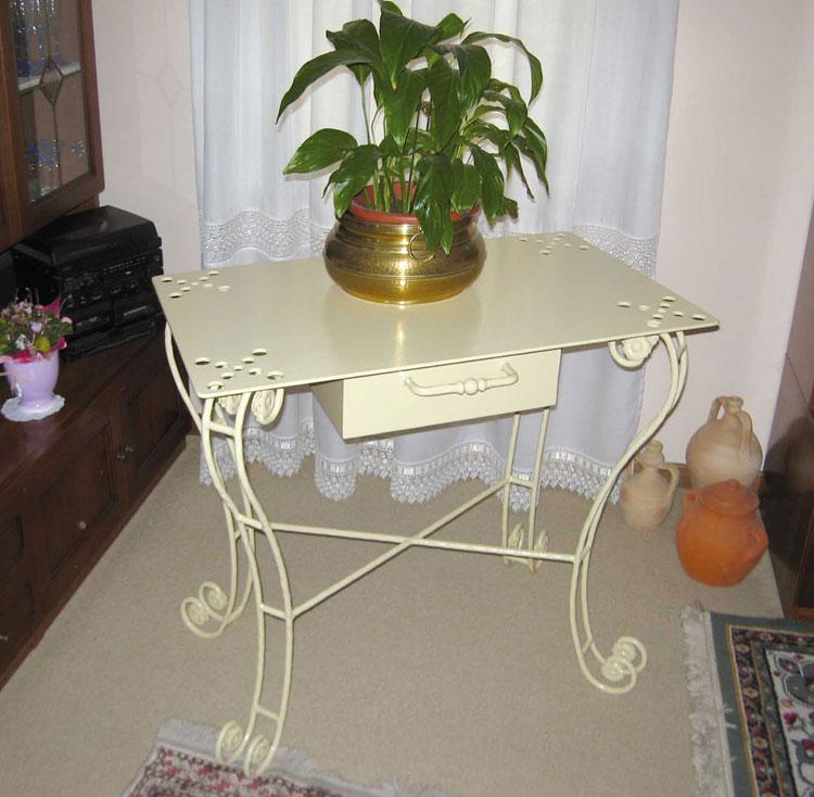 Complementi arredo in ferro battuto mobili ferro for Oggetti d arredo